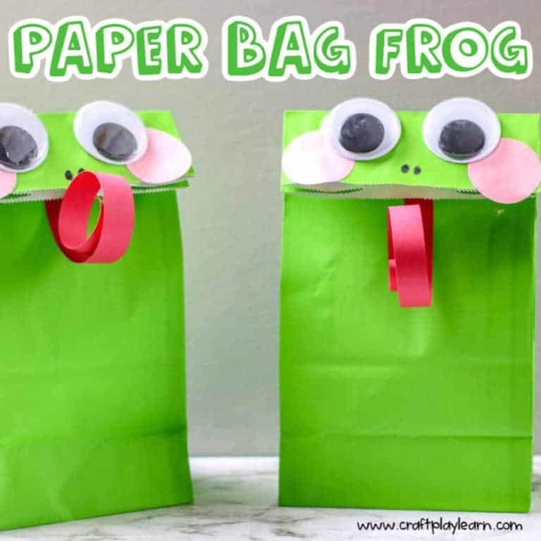 easy paper bag frog craft two frog paper bags together on a table