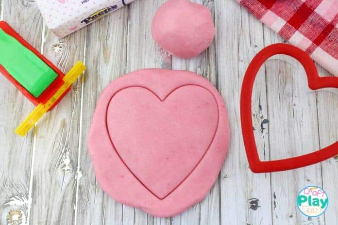 valentines day heart shaped playdoh recipe