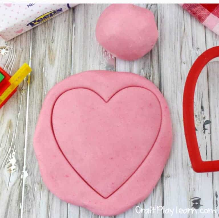 valentines day heart shaped playdoh recipe